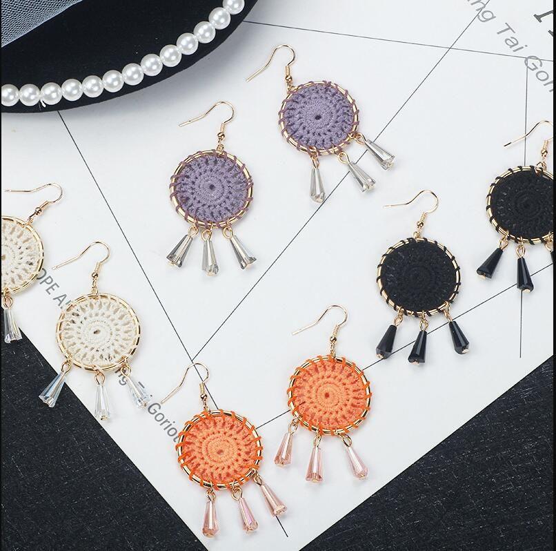 여성을위한 아마존 뜨거운 판매 한국어 수제 크로 셰 뜨개질 귀걸이 보헤미안 민족 스타일 쥬얼리 화이트 보라색 블랙 오렌지 색상을 사용할 수