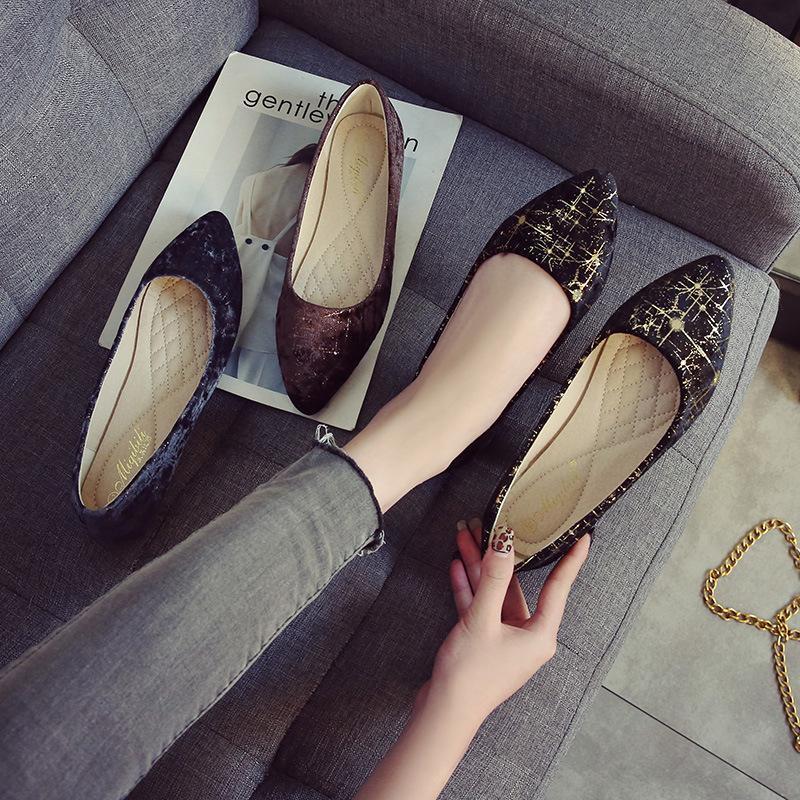Karışık renkli sivri burun sığ daireler gümüş hat süslemeleri kadın ayakkabıları 42 43 makosenler gündelik mokasenleri 2020 rahat edeceğimiz büyük boyutuna slip