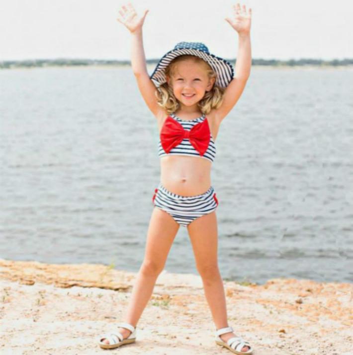 Mode filles Costumes Designer bébé Piscine enfants Stripe Imprimé Sling style Deux Pièces de bain Vêtements Set Enfant Casual mignon Maillots de bain Top Quali