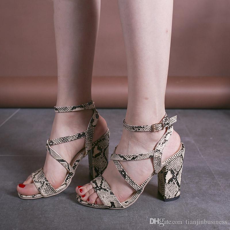 Sommer Schlange Frauen High Heels Sandalen Schuhe Frauen Sandalen weibliche Rom Plattform Strap Peep Toe Square Ferse Kleid Schuhe Frauen