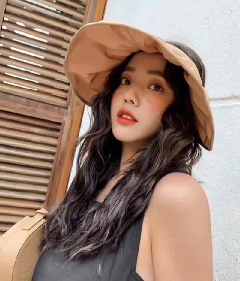 Moda Güneş Şapkası Kadın Disket Şapkalar Katlanabilir Geniş Geniş Brim Floppy Kepçe Hat Yaz Plaj Güneş Hasır Şapka Cap 30 adet Ücretsiz Kargo