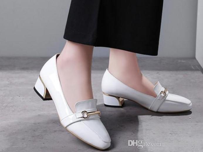 Envío gratis 2018 Zapatos de mujer de primavera y otoño con tacón grueso Cabeza cuadrada de tacón medio y boca baja