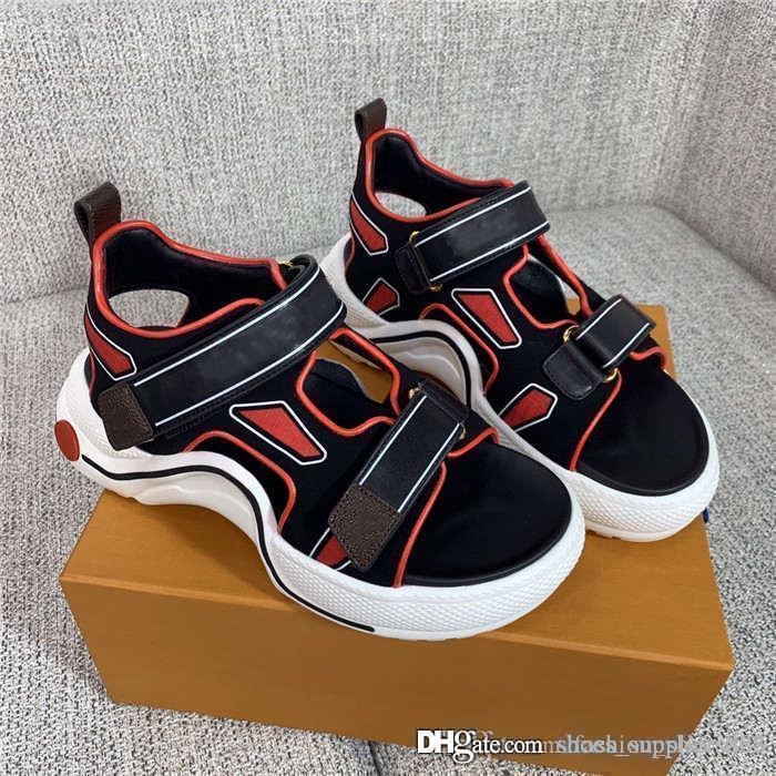 Klassische Sandalen Freizeitsport für Damen Strand Medus Slide Mode Scuffs Hausschuhe Qualitäts-im Freien Schuhe Komplett-Set von Schuhkarton