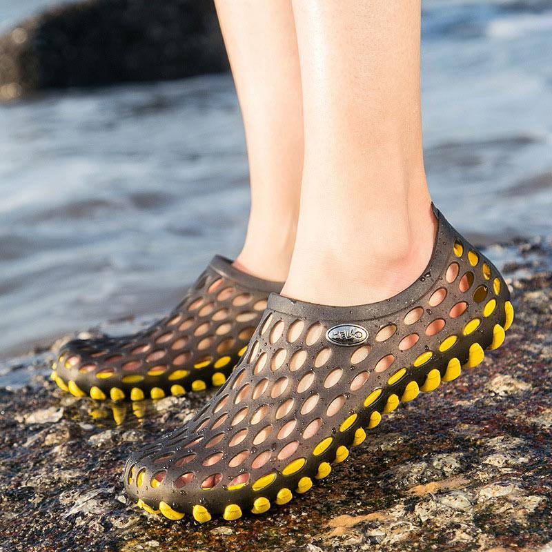 İçi boş Out Hole On Kadınlar Yaz Kayma Kadın Sandalet Bayan Kaymaz Moda Kadın Casula Açık Plaj Çift Ayakkabı ayakkabı