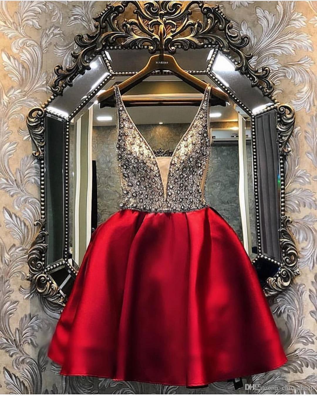 Borgogna in rilievo cristalli 2019 abiti da ritorno abiti spaghetti A-line Abiti di laurea in raso sexy elegante abiti da cocktail corto