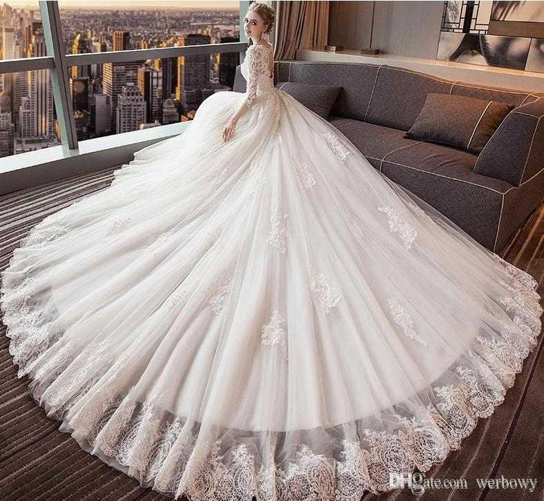 High Quality New Wedding Dress V Collar Long Sleeves Cathedral Wedding Dress Bees Lace Decal Decal Autumn And Winter Beach Wedding Dresses