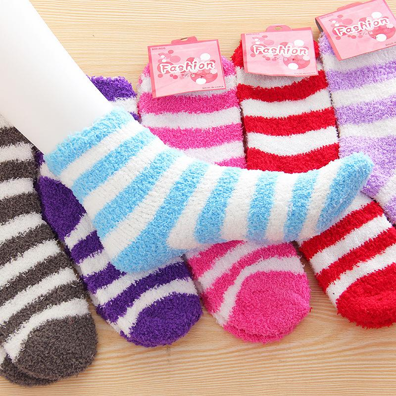 Venta al por mayor 10 pares / lote calcetines de invierno para mujeres Toalla de alta calidad Cálidos calcetines Color del caramelo Grueso piso calcetines térmicos