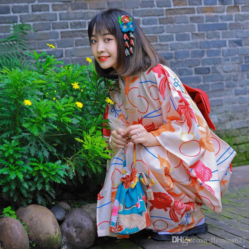 Kiraz güzellik Japonca kimono kadın resmi kırmızı balığı kolu modifiye Giyim Standart versiyonu geleneksel kimono Japonya Kız