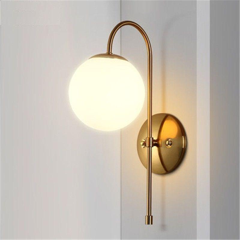 노르딕 간단한 현대 벽 Sconce 철 유리 공 LED 벽 조명기구 포스트 모던 머리맡의 벽 램프 홈 조명 Lampara 90-265V