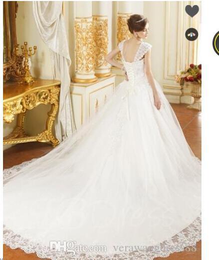 Cinghie Appliques bordare Ball Gown cappella treno abito da sposa