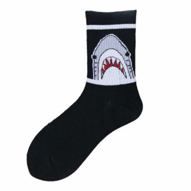 Erkek Tasarımcı Çorap Popüler Logo Sokak Maple Leaf Orta tüp çorap Saf Hip-hop Kişilik Spor Basketbol Uzun Hortum Yeni