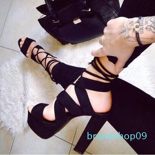 Goddess2019 Açık Tip Su geçirmez Platformu Fasciola Atmosfer Quality Kadını Sandalet İle Bir Parmak Kalın