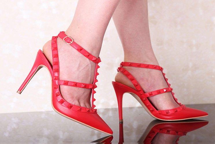 Nueva Desnuda Plataforma bombas de las mujeres del dedo del pie redondo atractivo de las señoras de los altos talones de los remaches hebilla de la manera tachonado sandalias del estilete de 34-43 Box