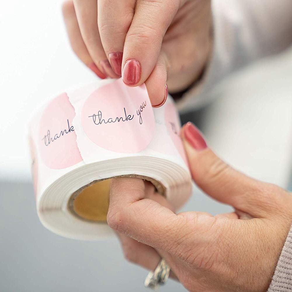 500PCS شكرا ملصقات 1inch الوردي ملصقات لشركة الهبة حفلة عيد الميلاد الحسنات بطاقات عنونة بريدية اللوازم مهرجان
