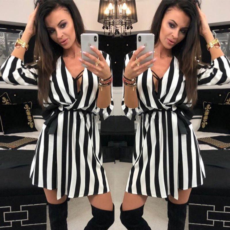 2020 Yeni Moda Seksi Kadın V-Boyun Çizgili elbise Yaz Siyah Beyaz Çizgili Sahil Casual Gevşek elbiseler vestidos Artı boyutu