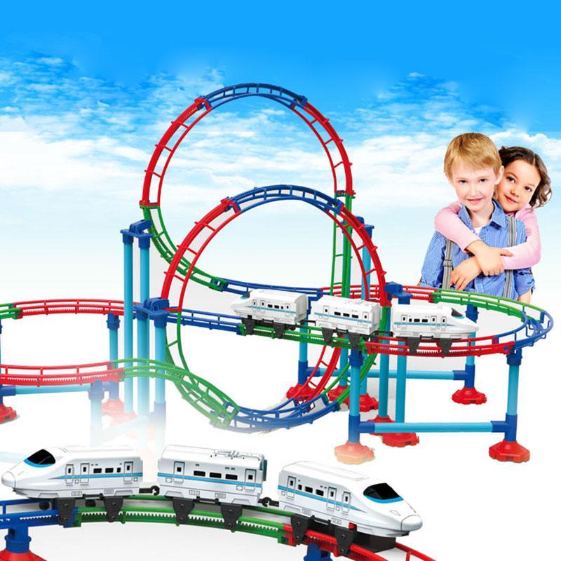 Новый RC Электропоезд Рождественский поезд игрушки модель железной дороги Set Детские поезда игрушки Электрические Железнодорожные поезда для детей Подарки