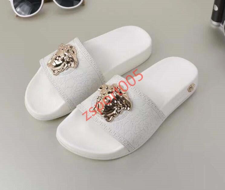 Versace sandals Europa y las zapatillas nuevo estilo Estados Unidos, fricción grande la cabeza, flip-flops y así sucesivamente. ¡Bienvenidos! Gracias! # 023