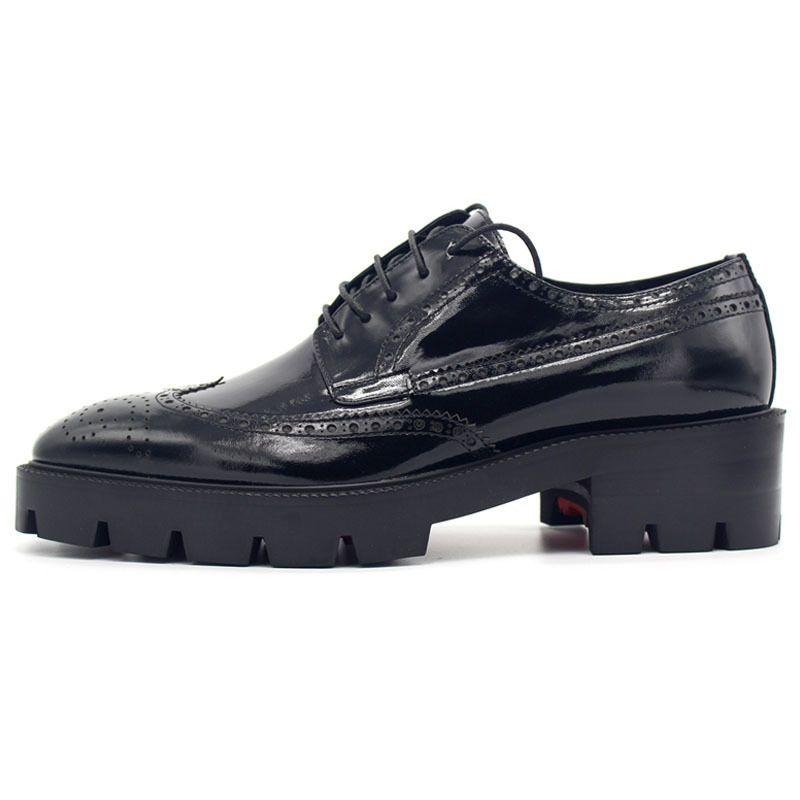 2020 جديد البروغ ديربي أحذية الرجال جلد طبيعي سميكة منصة الأحذية الرسمية الدانتيل يصل حزب الزفاف جلد أحذية الرجال زائد الحجم