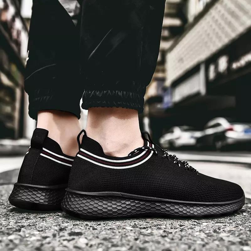 Avec chaussettes mode vente chaude Hommes Femmes Chaussures de course gris bleu blanc noir Respirant Sport Chaussures de sport entraîneur des hommes respirant chaussures de sport