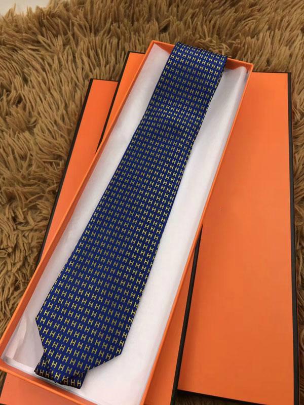 뜨거운 판매 새로운 패션 남성 실크 목 넥타이 남성 실크 넥타이 슬림 클래식 Cravate는 스키니 넥타이 남성용 목에 두르는 디자이너 넥타이를 좁히