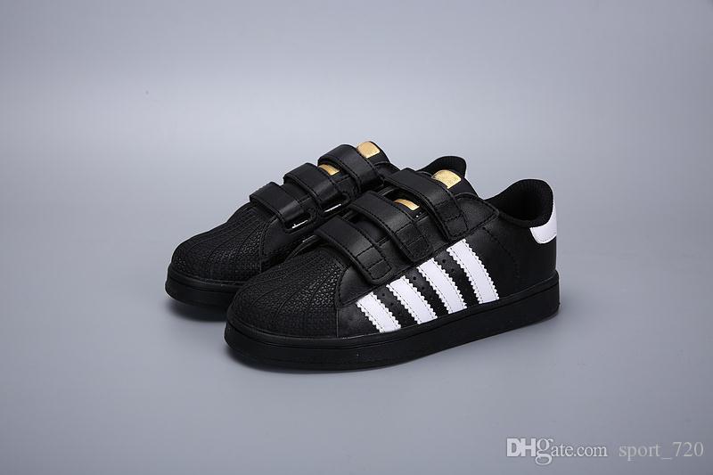 2zapatos de niños adidas