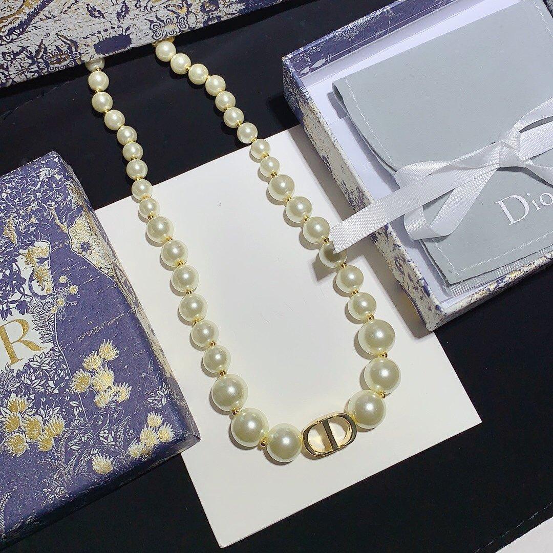 Diseño tapa del collar de lujo de la personalidad de la mujer nueva perla del collar de la manera del alfabeto de alta calidad de la joyería salvaje collar de suministro con la caja MO15