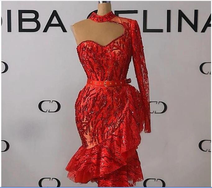 Schicke rote Nixe-Abschlussball-Kleid-Ausschnitt Appliqued Sequined wulstige Gurt-Heimkehr-Kleider mit langen Ärmeln Rüschen Knie-Längen-formale Partei-Kleider