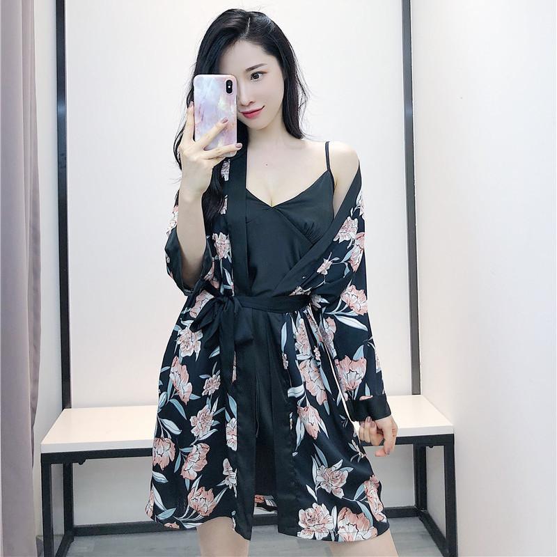 2020 donne dell'abito abito Imposta 2 Imposta Pezzi Primavera Sleepwear Robe Sexy Ladies da notte della stampa del fiore Camicia da notte con la cassa Pads
