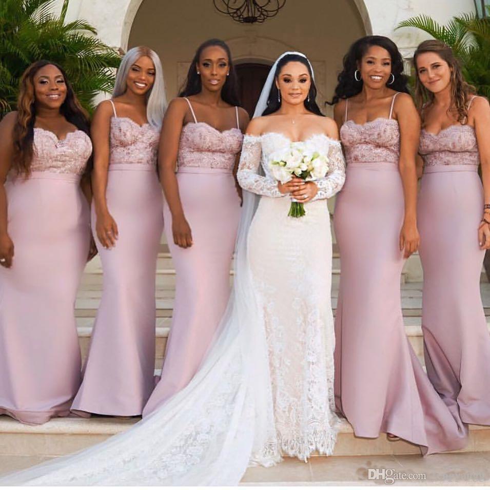 2019 elegante espagueti fuera del hombro sirena vestidos de dama de honor apliques de encaje vestidos de invitados de la boda hasta el suelo vestidos de dama de honor
