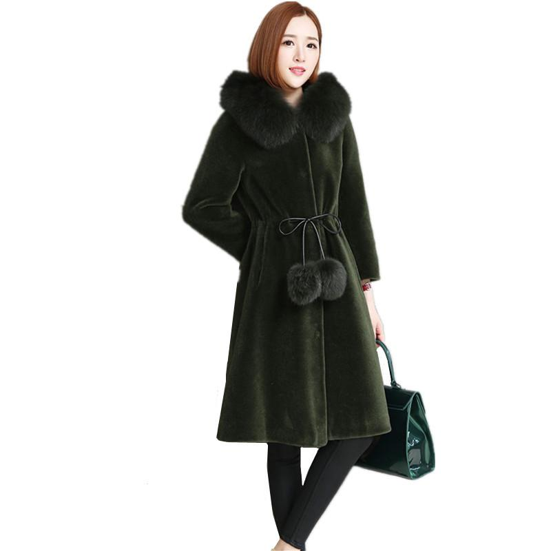 2020 New Sheep Shearing Fur Coat Women Lamb Fur Jacket Fur Female With Real Collar Hooded Winter Outwear Long OUTWEAR WYQ786