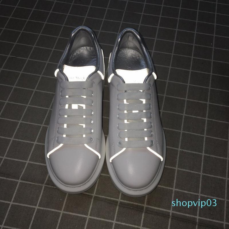 New Mens Moda sapatos de plataforma de luxo Mans Casual planas Walking Casual Sneakers Luminous fluorescentes brancas sapatos tamanho 38-45 10 cores c20