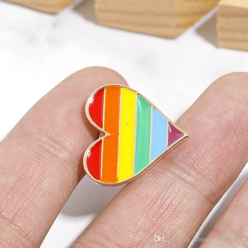 1 قطعة جديد وصول معدن البلاستيك غاي برايد قوس قزح بروش دبوس مكافحة التمييز شارة متمنيا الحلي المثليين