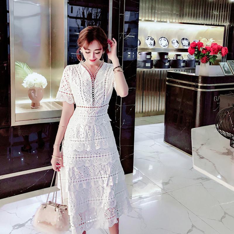 Yilin Kay costume 2019 High-end indústria pesada oca-out vestido de renda sexy vintage v-neck lace fadas bolo vestido solúvel em água