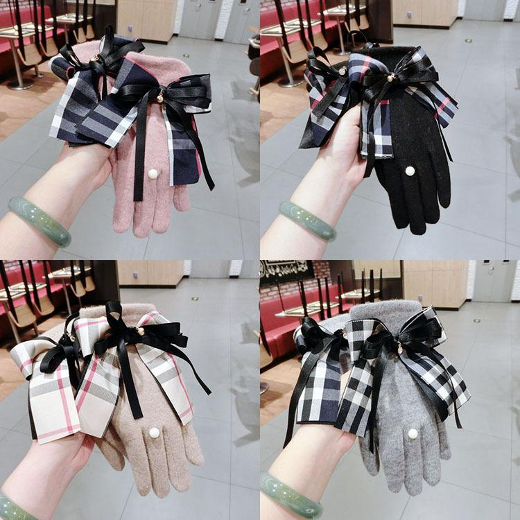 Women Winter Plaid Gloves Grid Pattern Touch Screen Mittens British Bowknot Finger Gloves Outdoor Thickened Cashmere Glove GGA2636