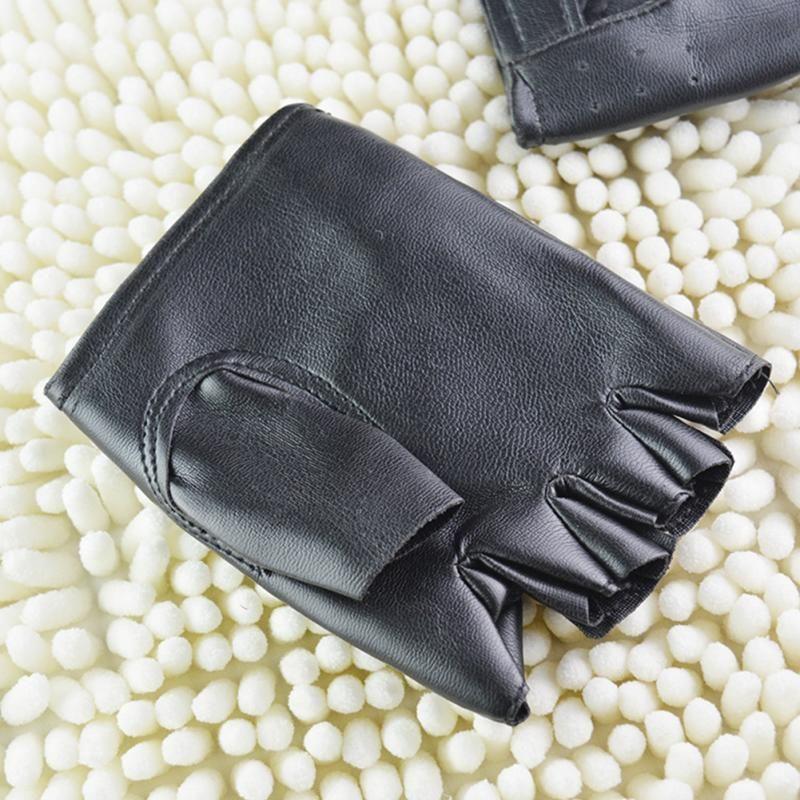 Fashion-1 زوج للجنسين الأسود بو الجلود أصابع قفازات الصلبة الإناث نصف اصبع القيادة النساء الرجال الأزياء النقل الشرير قفازات المحرك