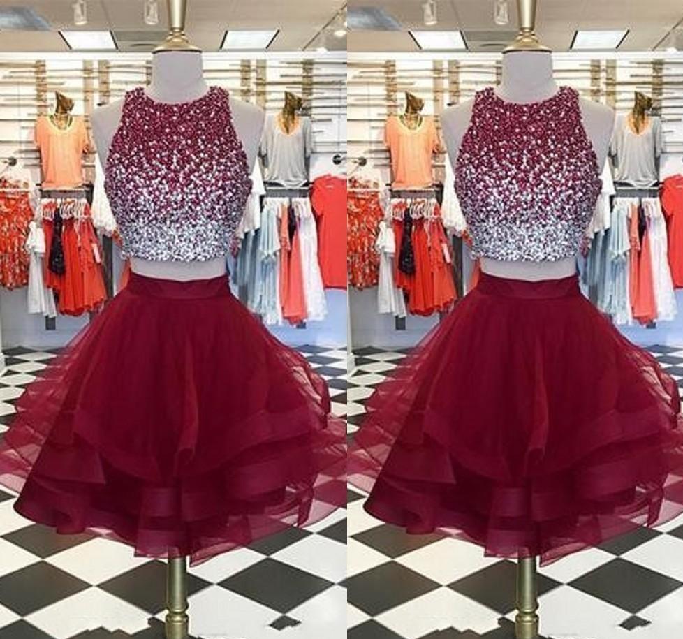 Compre Nuevo Vestido Corto De Fiesta Color Borgoña 2019 Dos Piezas Joya Cuello Con Cuentas Blusa Con Volantes Faldas Organza Fiesta Fiesta Vestidos
