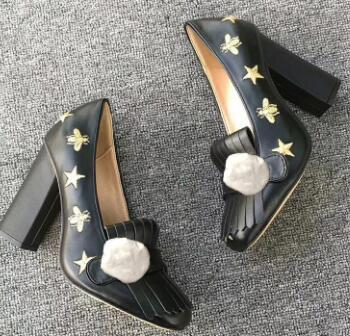 Аутентичные коровьей роскошные дизайнерские высокие каблуки весна осень сексуальный бар банкетный свадебные туфли толстый каблук корабельные туфли металлическая пряжка пчелы женская обувь