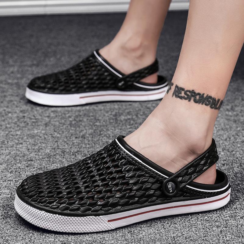 Moda Masculina Verão Sandals oco Beach Water sandálias confortáveis Casual Moda Masculina Sandalia Slippers Male Plano Sandal