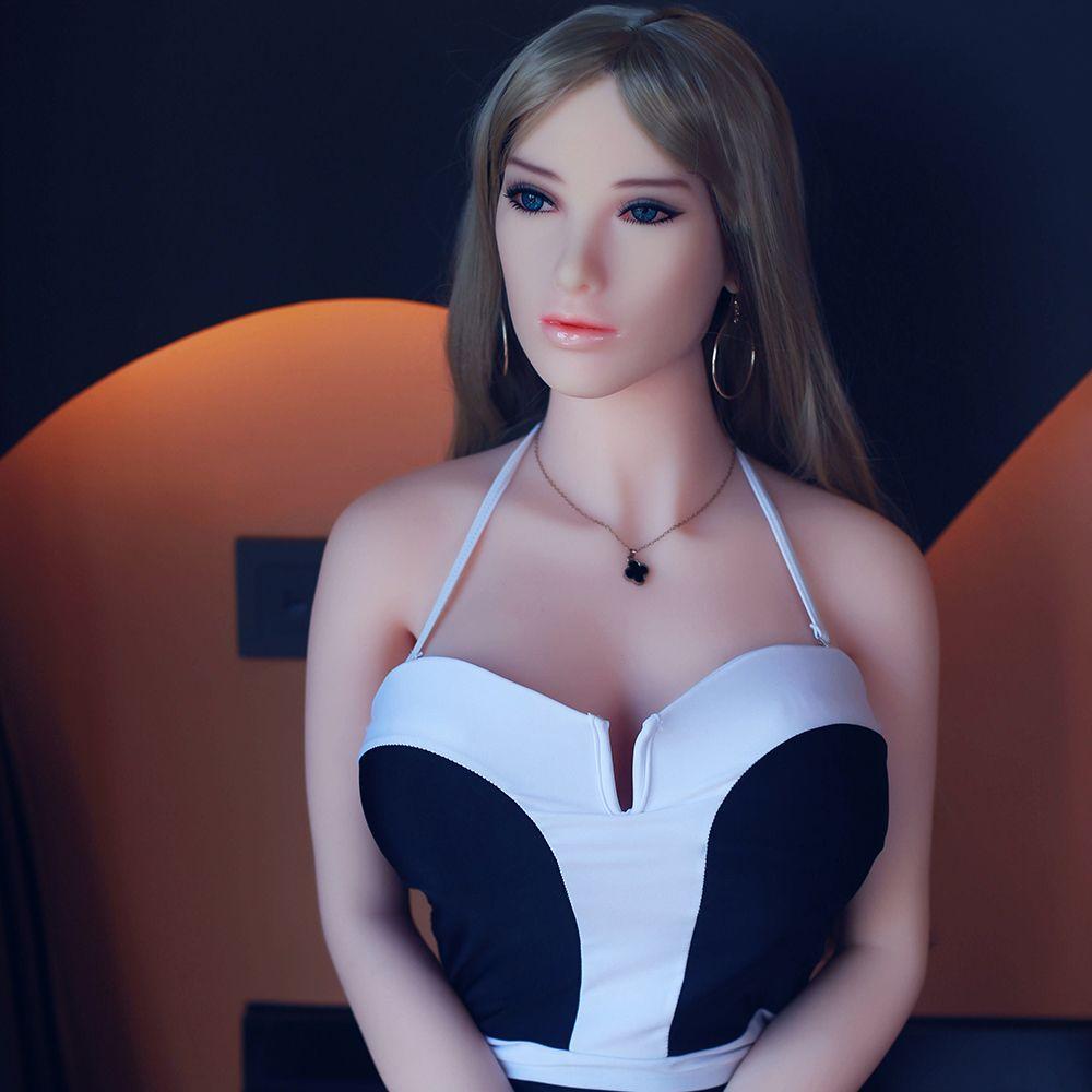 Latina Milf Big Ass Big Tits