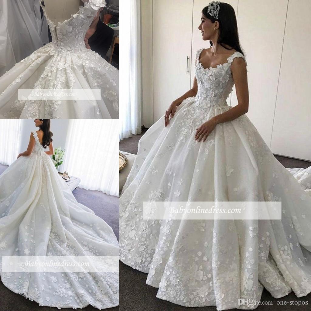 Abito da sposa in pizzo bianco / avorio Abito da ballo di lusso Appliqued Abito da sposa Afraic Ragazza Elegent Beach Abiti da sposa Plus Size Custom Made