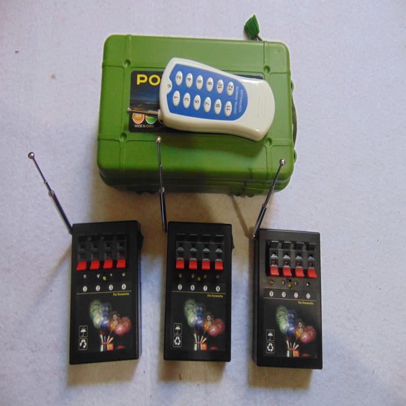 12 Cues Fern 2020 neues Jahr Gebrauch Hochzeitsgeschenk Transmitter Verbindungsdraht 433MHz Wireless Remote Home Garten Feuerwerk-System Firing