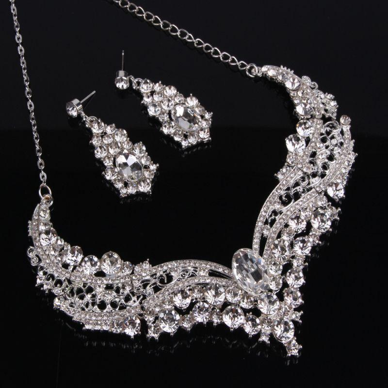 Silber Luxus Brautschmuck Set mit Kristallen Frauen Halskette Ohrstecker Für Braut Brautjungfern Abend Prom Party Zubehör