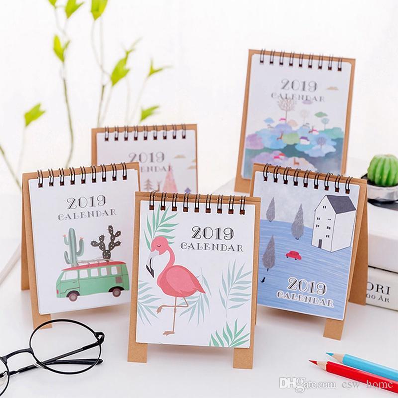 Calendrier Dessin Anime.Acheter Dessin A La Main 2019 Dessin Anime Frais Mini Journal De Bureau Flamingo Calendrier Calendrier Double Agenda De 0 53 Du Esw Home Dhgate Com