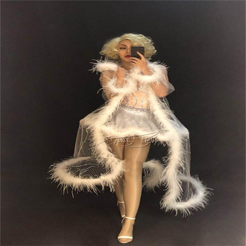 R83 Pena branca casaco saia de bailado fêmea desempenho cantor Mostra do vestido de roupas dj manto baile dançar trajes bar vestir música delírio diamante