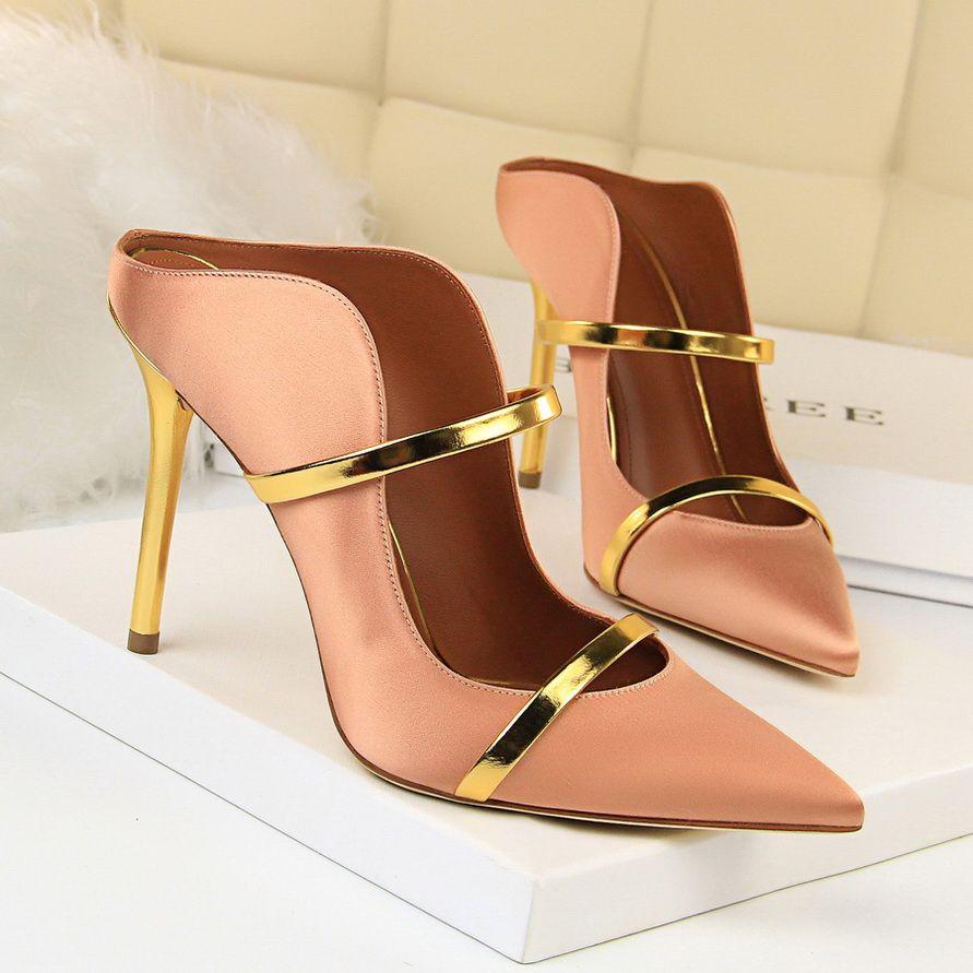 Hot Heels Venda-nova alta deslizamento das mulheres Sapato de bico fino em Stilettos Wedding Party Bombas Sapatos básicos Gota Shiping