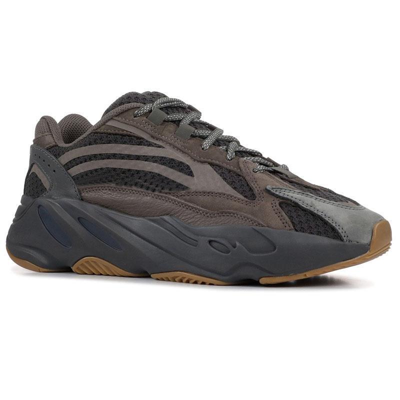2020 700 Kanye West Hommes Chaussures de sport noir onde inertielle analogique blanc sel Tephra statique extérieure Chaussures de sport 02