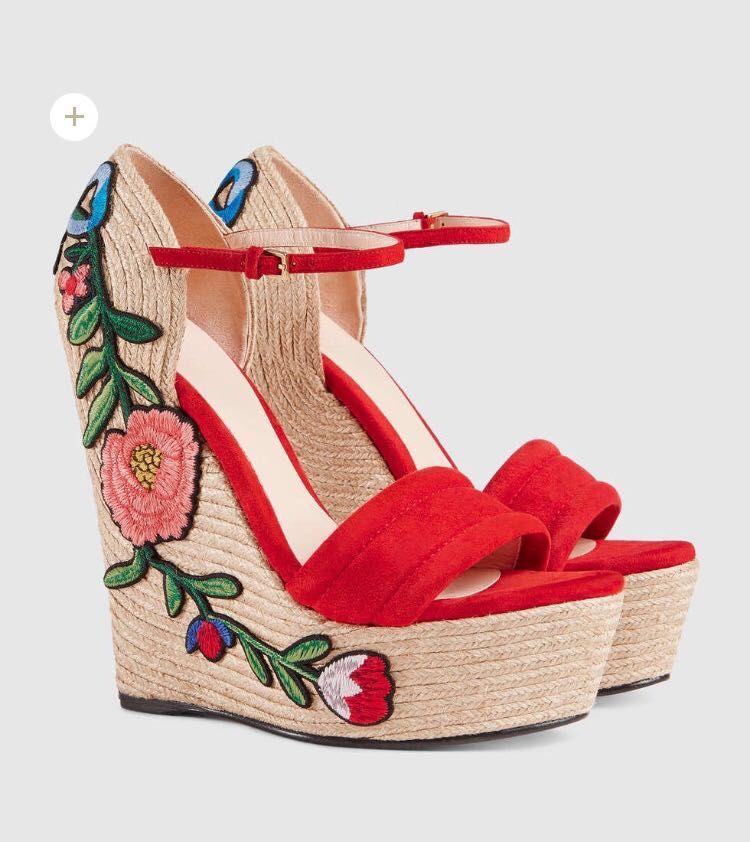 المرأة أزياء الصيف مطرزة الجلد المدبوغ إسفين الصنادل المفتوحة تو espadrille الأحذية زهرة زين منصة الصنادل أسود أحمر عالية zapatos موهير