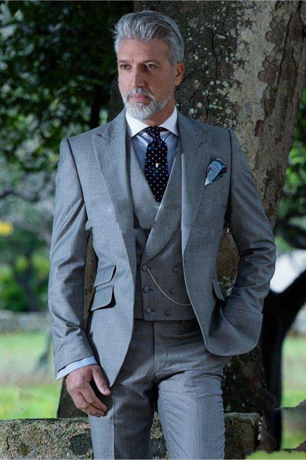 New Stylish Design One Button Light Grey Wedding Groom Tuxedos Peak Lapel Groomsmen Mens Dinner Blazer Suits (Jacket+Pants+Vest+Tie) 492