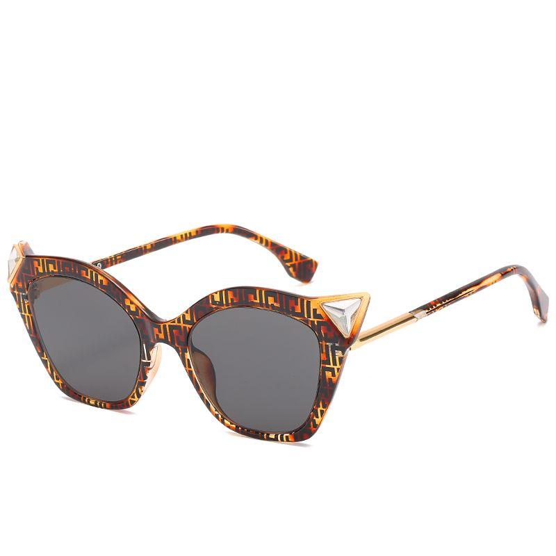 Nuevas gafas de sol de ojo de gato para mujer Gafas de sol de marca para hombres y mujeres Ropa de moda Gafas de sol para espectáculo Gafas de conductor Envío gratis