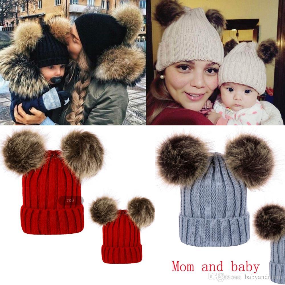 Tricotant Chapeaux Chauds Hiver Bonnets Chapeaux Maman Et Bébé Famille Tenues Assorties Nouveau-né Bébé Double Fourrure Boule Pop Crochet HATS